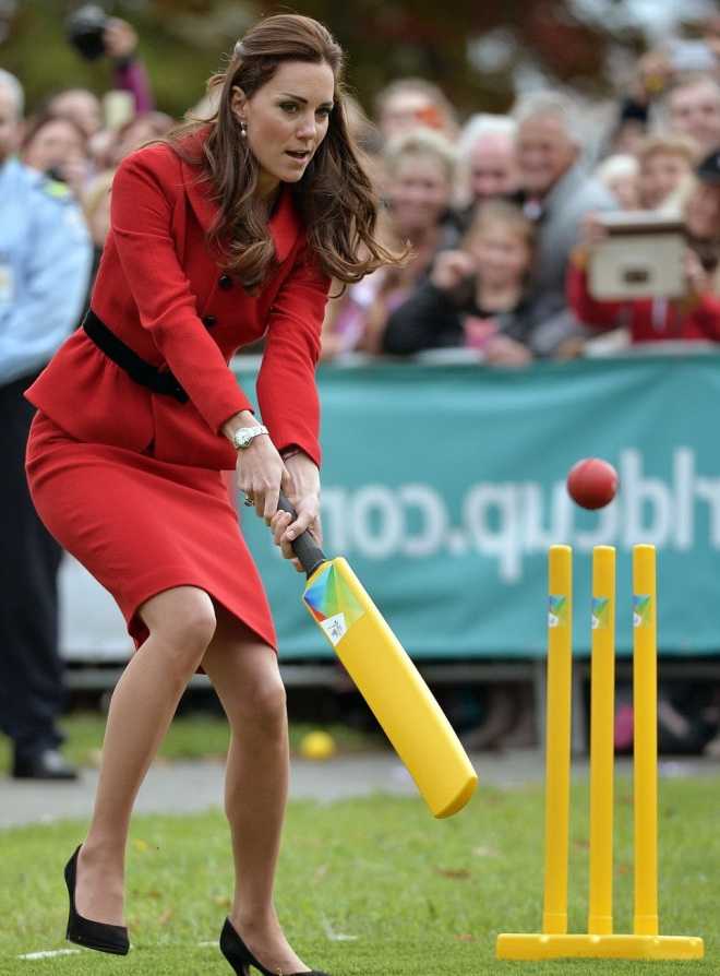 William and Kate Bowl Each Other Over With a Game of Cricket (4)